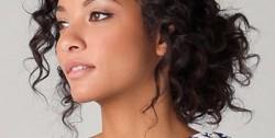 coupe-cheveux-frises-femme-metisse-600x303